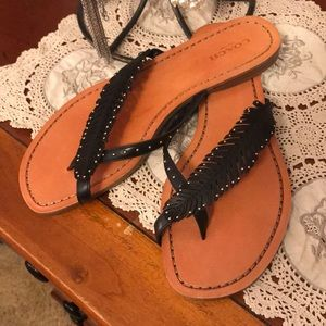 Coach Feather Studdded Thongs Sandals 👡 8.5 NWOB